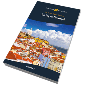 Living in Portugal book